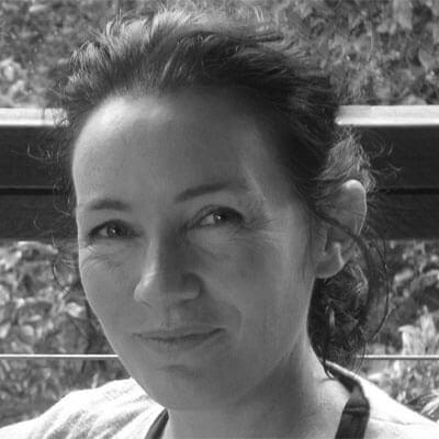 Dr Carla Schlesinger
